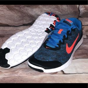 ✨MEN'S SIZE 10.5 NIKE EXPERIENCE RN4 ATHLETIC SHOE